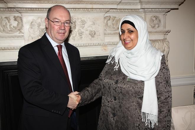 Niqab-less Norah al-Faiz